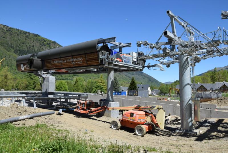 Construction Télécabine débrayable 10 places (TCD10) Peyragudes - Loudenvielle - Page 4 Dsc_2242