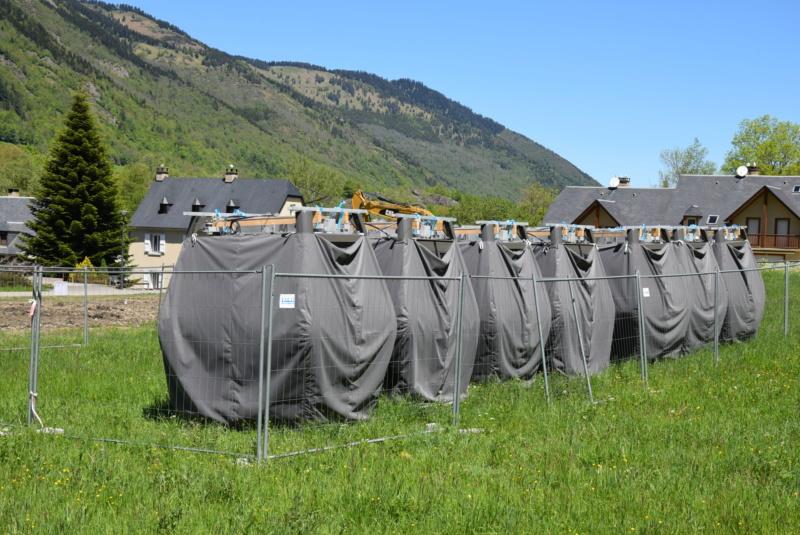 Construction Télécabine débrayable 10 places (TCD10) Peyragudes - Loudenvielle - Page 4 Dsc_2249