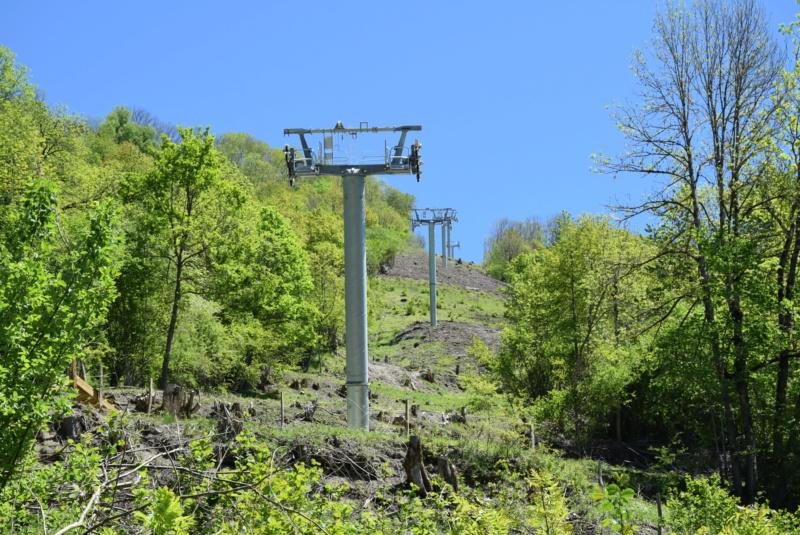 Construction Télécabine débrayable 10 places (TCD10) Peyragudes - Loudenvielle - Page 4 Dsc_2251