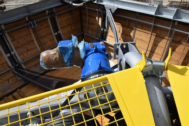 Construction Télécabine débrayable 10 places (TCD10) Peyragudes - Loudenvielle - Page 4 Dsc_2261
