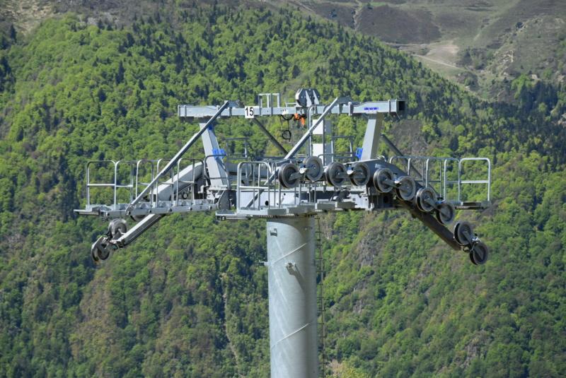 Construction Télécabine débrayable 10 places (TCD10) Peyragudes - Loudenvielle - Page 4 Dsc_2277