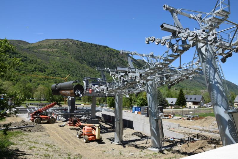 Construction Télécabine débrayable 10 places (TCD10) Peyragudes - Loudenvielle - Page 4 Dsc_2281