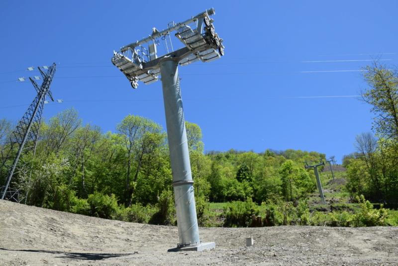 Construction Télécabine débrayable 10 places (TCD10) Peyragudes - Loudenvielle - Page 4 Dsc_2283