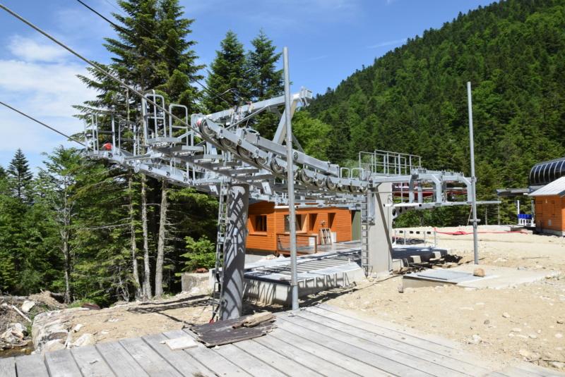 Construction télésiège fixe 4 places Bisorne (TSF4) - LST, Ax 3 Domaines - Page 2 Dsc_2344
