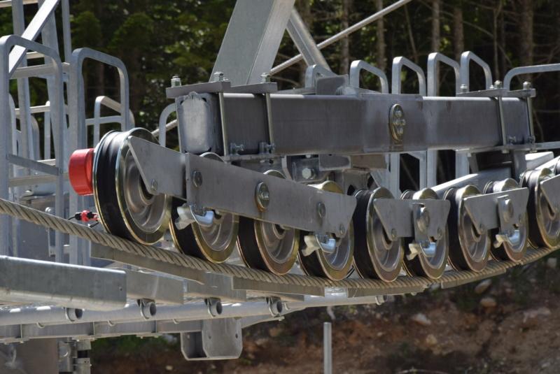 Construction télésiège fixe 4 places Bisorne (TSF4) - LST, Ax 3 Domaines - Page 2 Dsc_2347