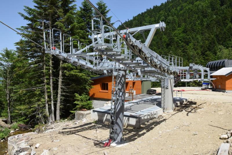 Construction télésiège fixe 4 places Bisorne (TSF4) - LST, Ax 3 Domaines - Page 2 Dsc_2349