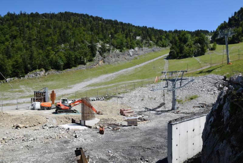 Reconstruction télésiège Le Family - La Pierre St Martin (Incendie) Dsc_2549