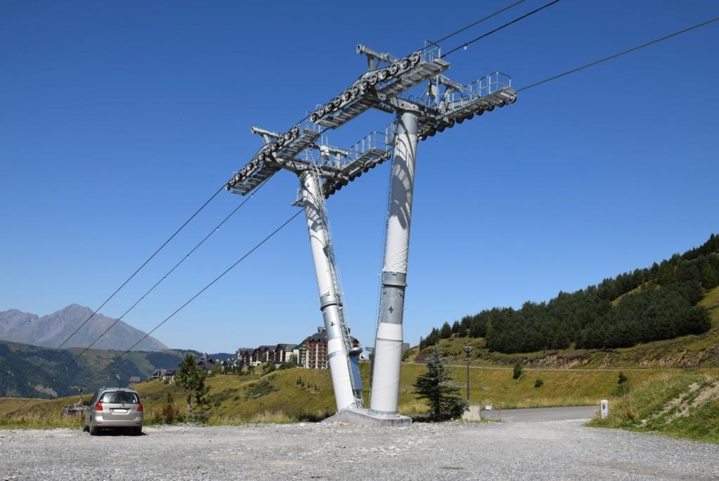 Télécabine débrayable 10 places (TCD10) Skyvall - Peyragudes / Loudenvielle Dsc_2651