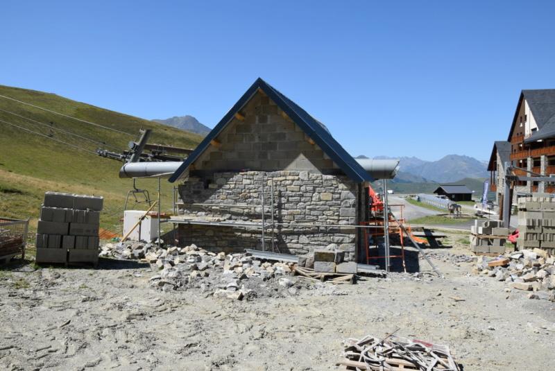 Construction Télécabine débrayable 10 places (TCD10) Peyragudes - Loudenvielle - Page 5 Dsc_2909