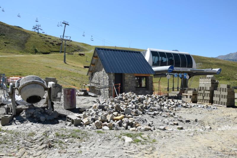 Construction Télécabine débrayable 10 places (TCD10) Peyragudes - Loudenvielle - Page 5 Dsc_2923