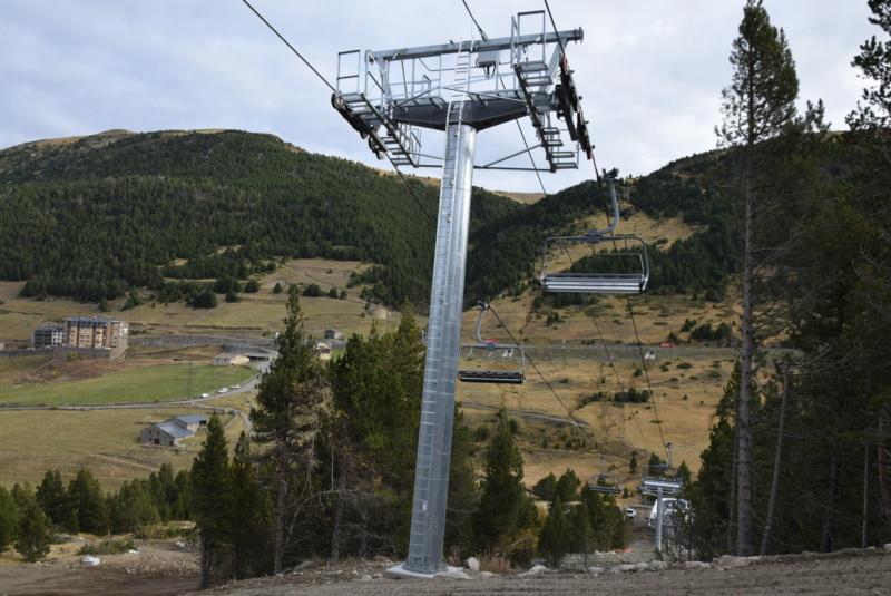 Extension, prolongation télésiège débrayable (TSD6) Pla de les Pedres Grau Roig – Grandvalira Dsc_3216