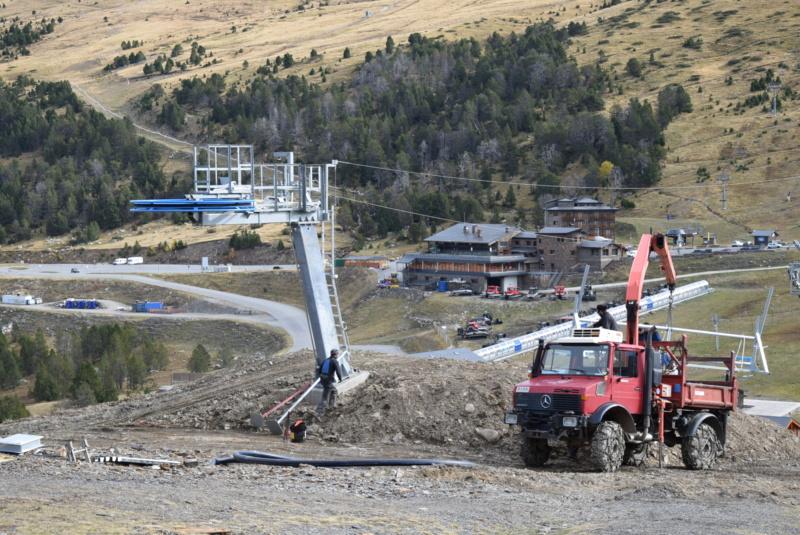Extension, prolongation télésiège débrayable (TSD6) Pla de les Pedres Grau Roig – Grandvalira Dsc_3242