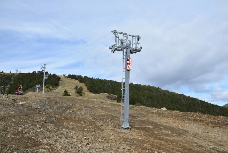 Extension, prolongation télésiège débrayable (TSD6) Pla de les Pedres Grau Roig – Grandvalira Dsc_3271