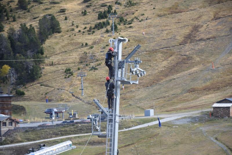 Extension, prolongation télésiège débrayable (TSD6) Pla de les Pedres Grau Roig – Grandvalira Dsc_3277