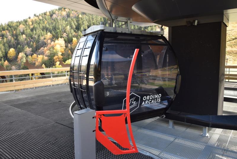 Télécabine débrayable 10 places (TCD10) D-Line - Tristaina Dsc_3299