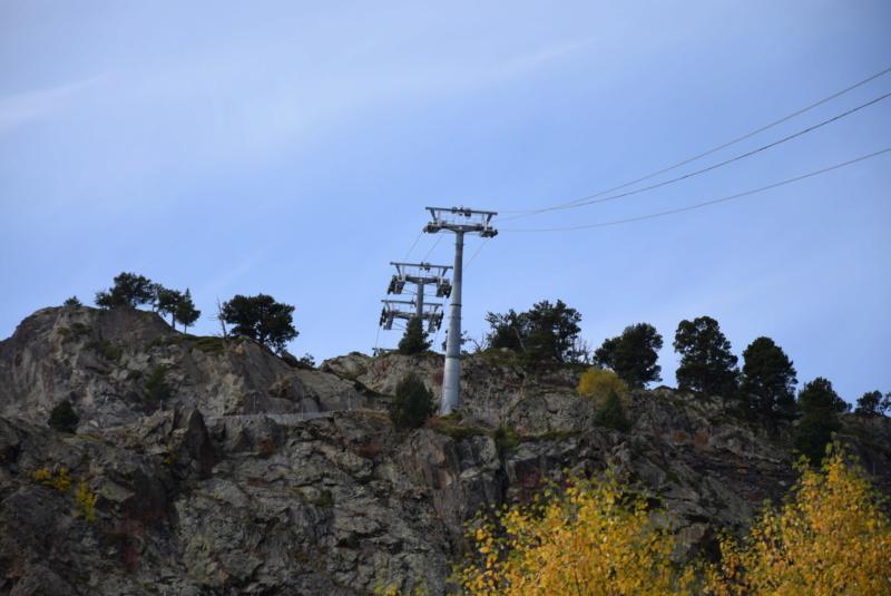 Télécabine débrayable 10 places (TCD10) D-Line - Tristaina Dsc_3300