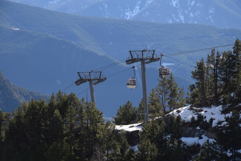 Télécabine débrayable 6 places (TCD6) Els Orriols Dsc_4220