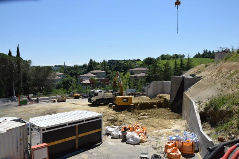 Construction téléphérique Téléo Toulouse - Page 2 Dsc_4760