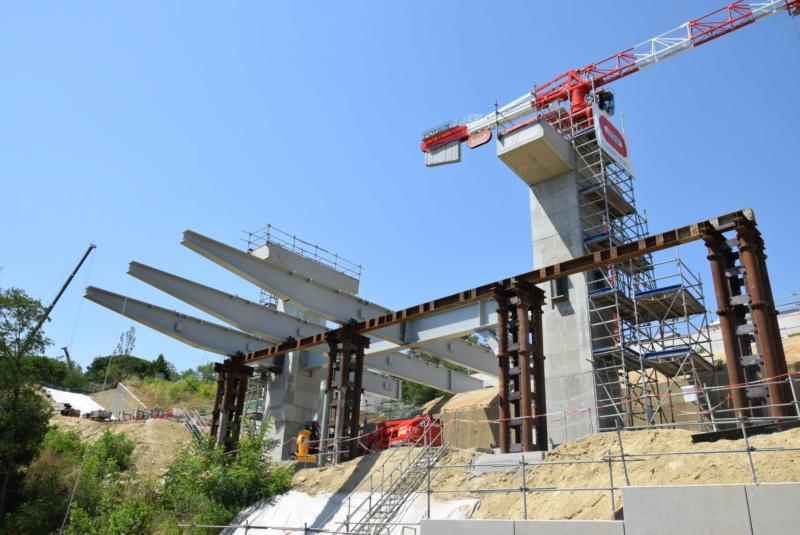 Construction téléphérique Téléo Toulouse - Page 2 Dsc_4923