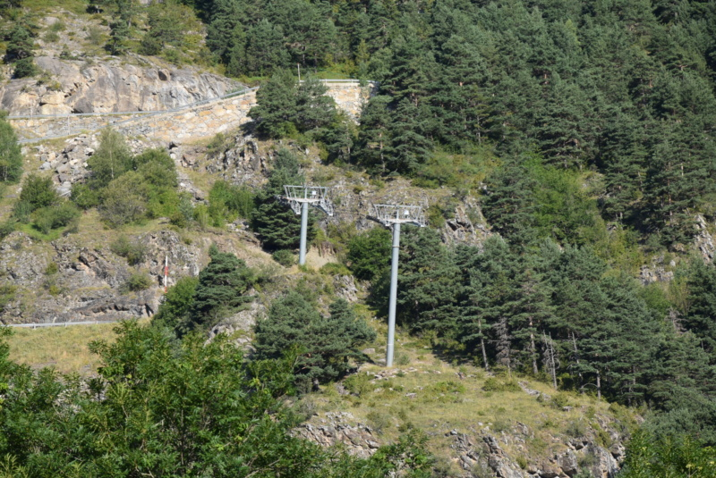 Télécabine débrayable 6 places (TCD6) Els Orriols Dsc_5007
