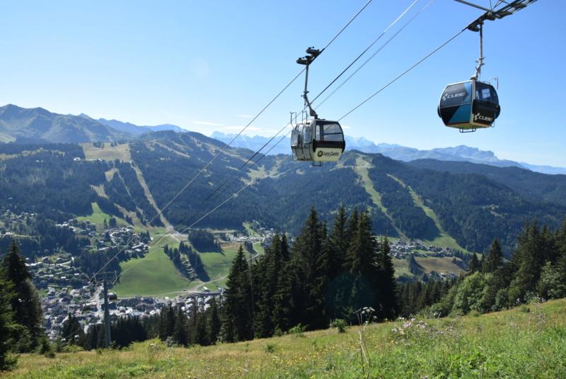 Télécabine débrayable 6 places (TCD6) Mont Chéry Dsc_5265