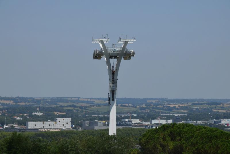Montage de la ligne et des pylônes Téléphérique Téléo Toulouse Dsc_5575