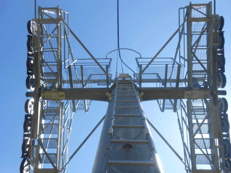 Les pylônes des télésièges fixes Dscn2610