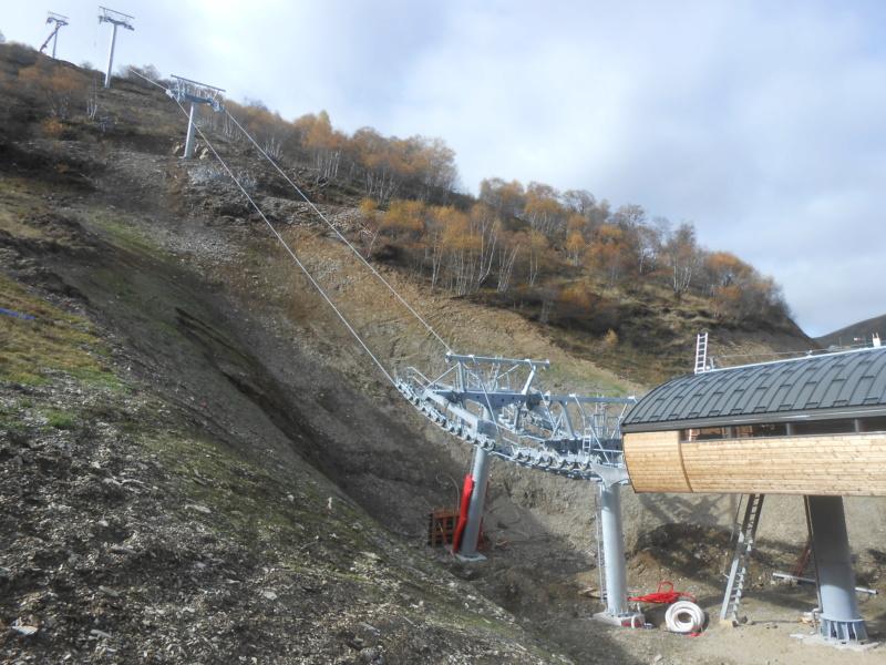 Construction du télésiège débrayable 6 places (TSD6) Bouleaux Dscn3417