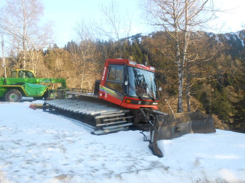 Pistenbully 240D Dscn4310