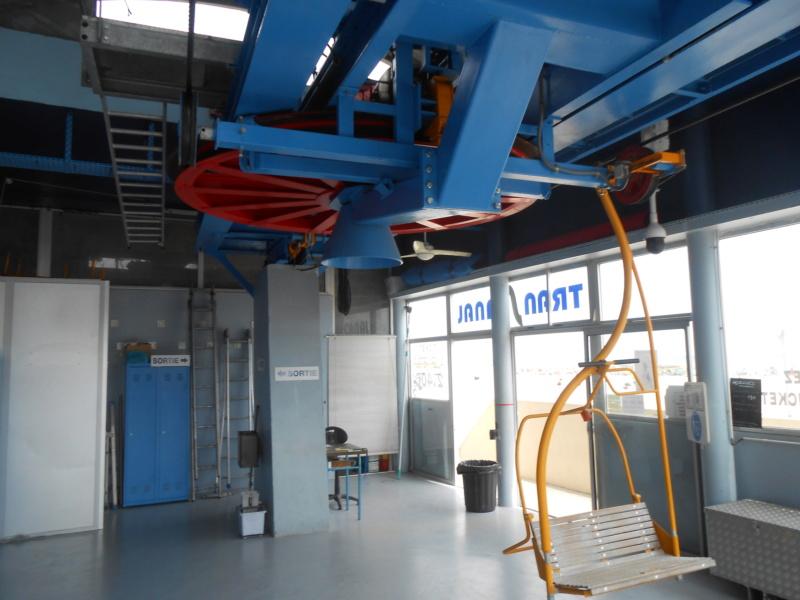 Télémixt fixe avec sièges et cabines Transcanal Dscn6127