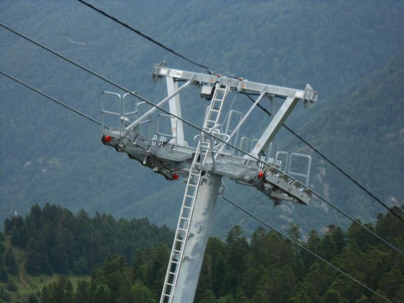 Construction télésiège fixe 4 places Bisorne (TSF4) - LST, Ax 3 Domaines - Page 2 Dscn6312