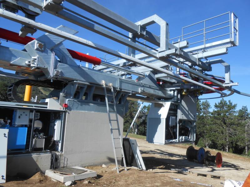 Construction télésiège fixe 4 places Bisorne (TSF4) - LST, Ax 3 Domaines - Page 2 Dscn6315