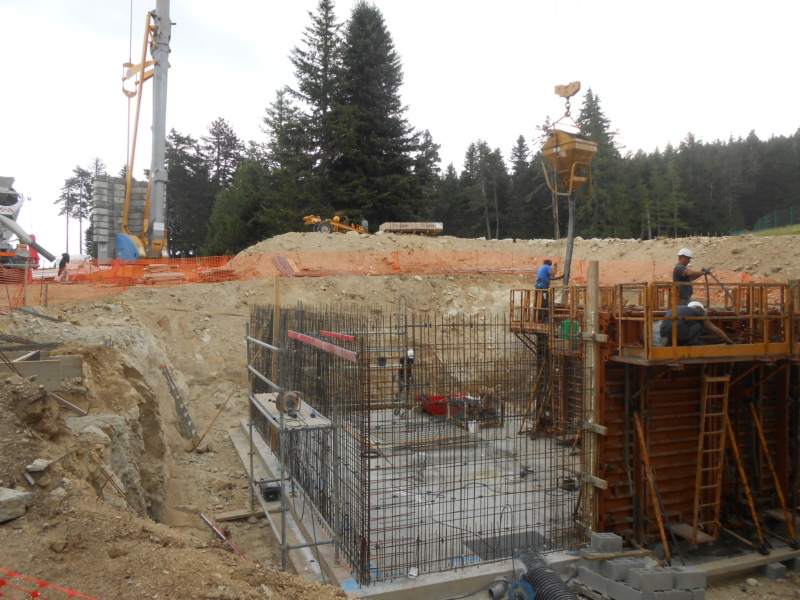 Construction usine à neige à Ax 3 Domaines (Manseille)  Dscn6413