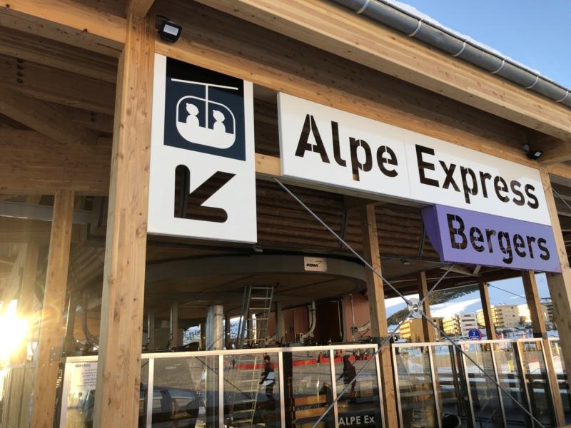 Télécabine débrayable 10 places (TCD10) Alpe Express  Exteri11