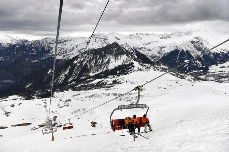 Télésiège débrayable 6 places (TSD6) Mont Corbier Fg_19010