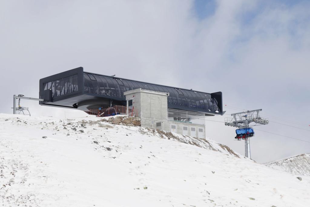 Télésiège débrayable 6 places (TSD6) Bendolla Col du Pouce Gare_a17