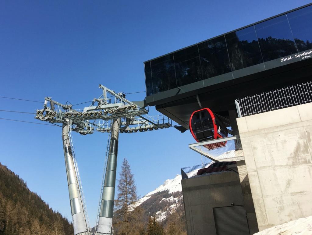 Télécabine débrayable 10 places (TCD10) Zinal - Sorebois - Espace Weisshorn Gare_a42
