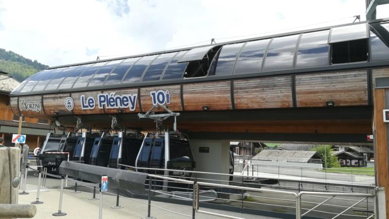 Télécabine débrayable 10 places (TCD10) du Pléney Img_2041