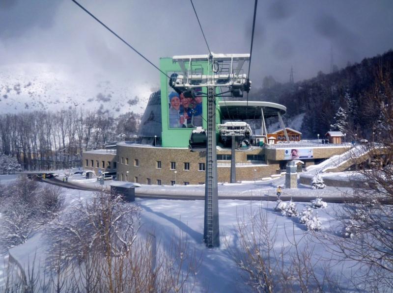 Télécabine 8 places (TCD8) Medeo Chimbulak P1070328