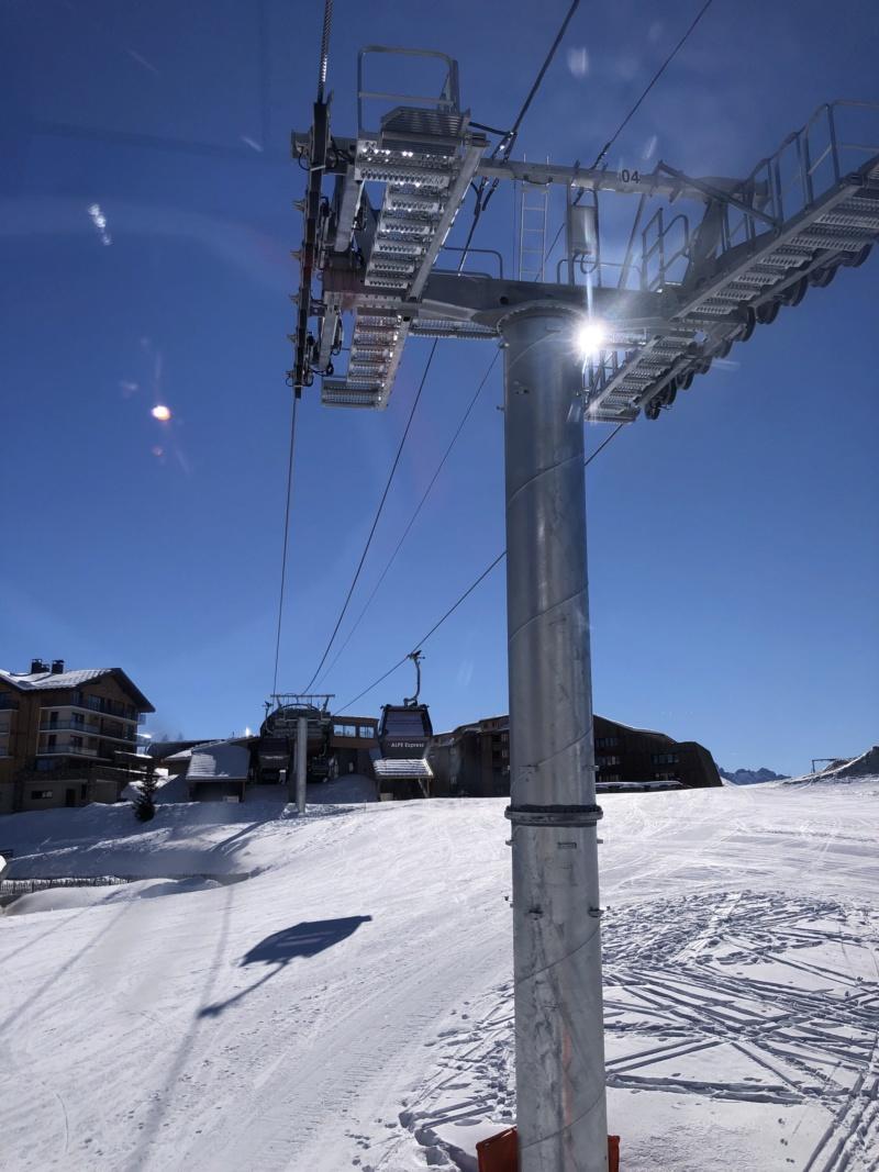 Télécabine débrayable 10 places (TCD10) Alpe Express  P210
