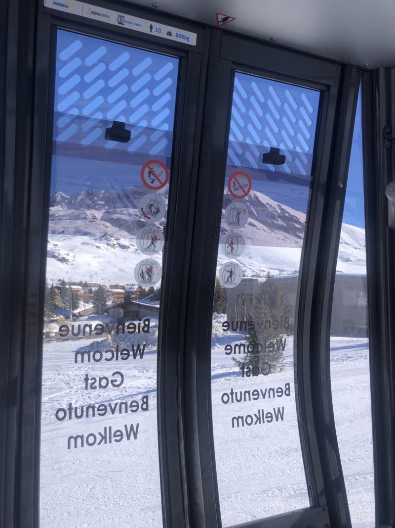 Télécabine débrayable 10 places (TCD10) Alpe Express  Portes10