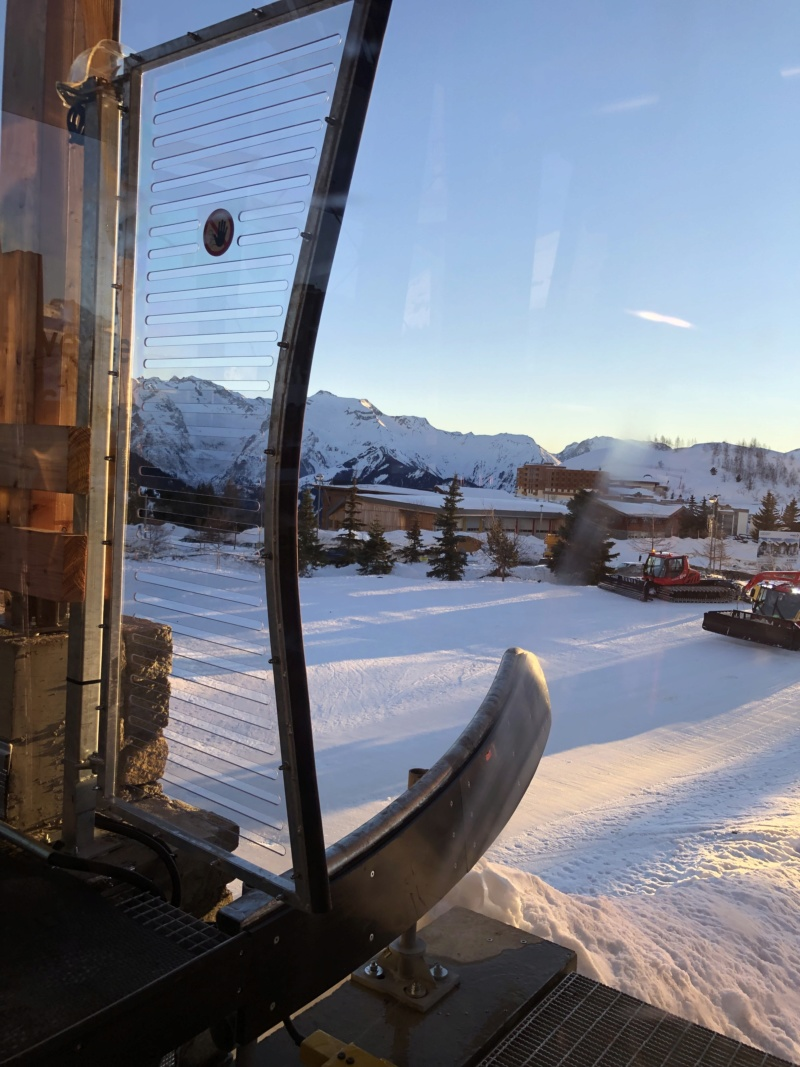 Télécabine débrayable 10 places (TCD10) Alpe Express  Portil10