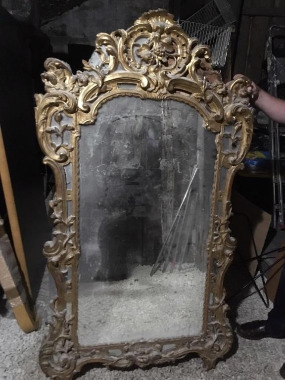 Grand Miroir (au mercure ?) / Cadre en bois sculpté et doré / XVIII ? Img_4210