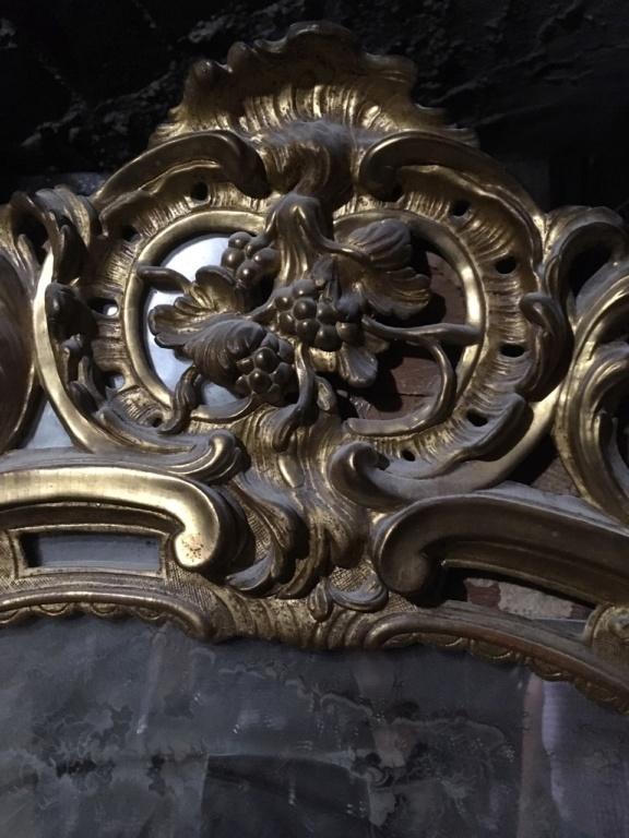 Grand Miroir (au mercure ?) / Cadre en bois sculpté et doré / XVIII ? Img_4217