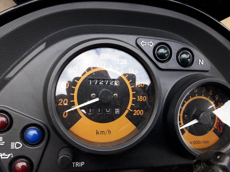 (Vendue) KLE 500 2006 Kle210