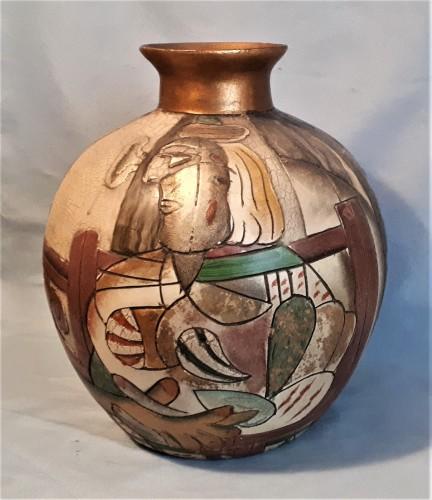 abstract figure vase Water111