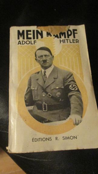 Mein kampf edition latine 1934 réservé aux collaborateurs Img_6318