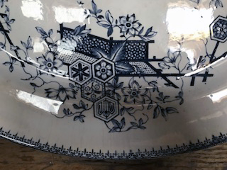 TONQUIN PATTERN JAPANESE AESTHETIC BLUE AND WHITE SERVING DISH Img_1026