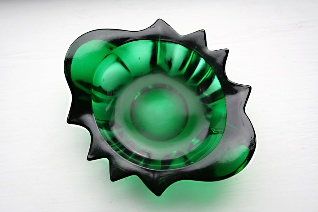 ANCHOR HOCKING FOREST GREEN GLASS PIN DISH?? Img_4711