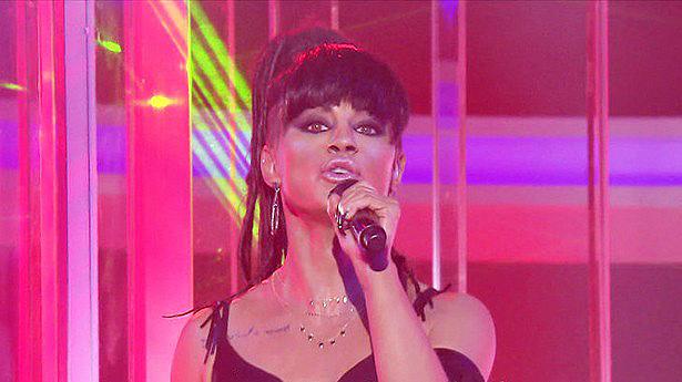 Rihanna >> preparando nuevo álbum - Página 19 93190_10